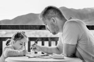 Cómo pueden ayudar los padres al desarrollo lingüístico del niño